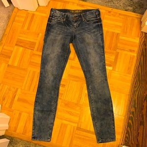EXPRESS JEANS. SIZE 4